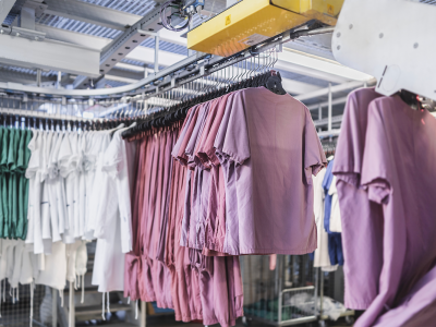 grazie-a-un-servizio-esterno-di-lavanderia-industriale-i-capi-degli-ospiti-delle-rsa-possono-essere-lavati-sterilizzati-e-tracciati-per-la-massima-sicurezza